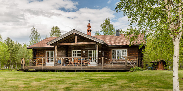 Swedish Lakeside Cottage for Rent